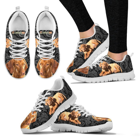 Vizsla On Black-Women's Running Shoes-Free Shipping