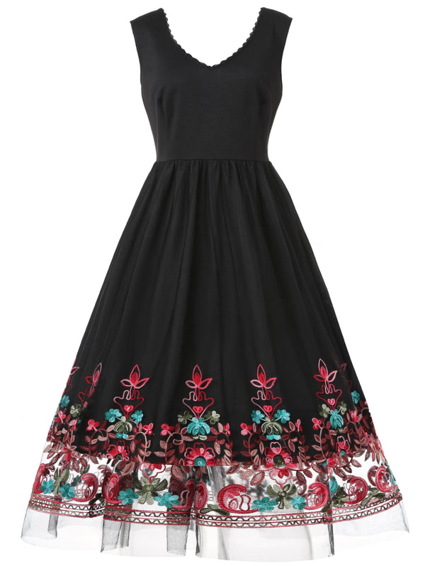 Plus Size Lace Panel Embroidered Vintage Dress