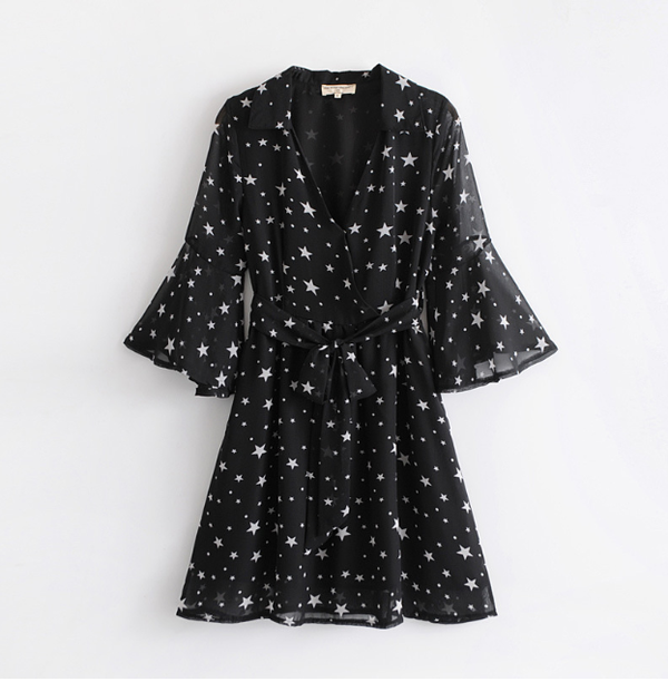 Plunging Neckline Cold Shoulder Star Print Dress