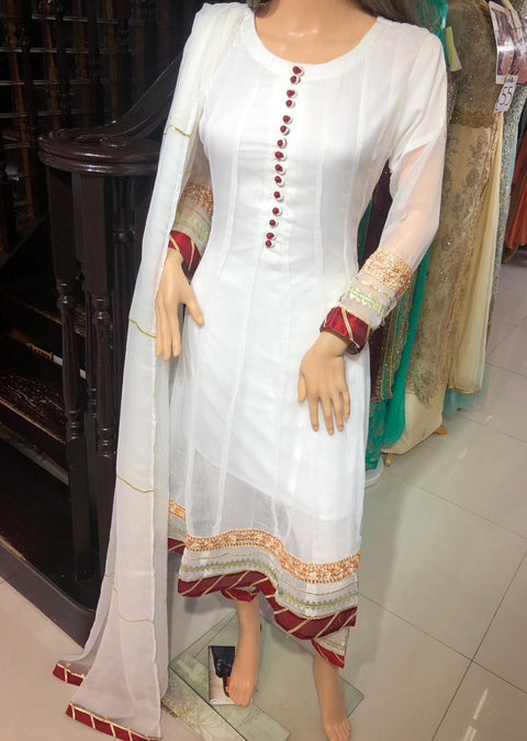 MR1121 Readymade White Gown - Memsaab Online