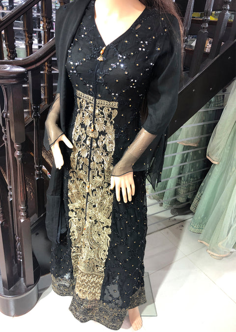 Black Ready to Wear Chiffon Embroidered Gown Abaya by Zoon - Memsaab Online