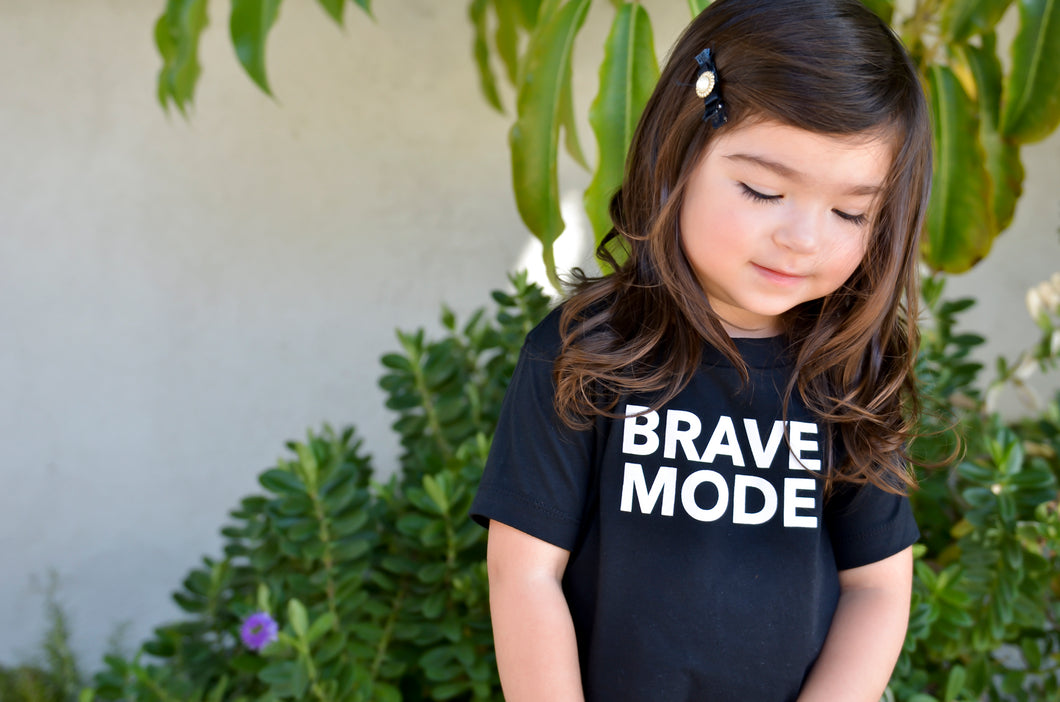 "Unisex Kids & Babies ""BRAVE MODE"" Short Sleeve T-Shirt"