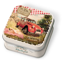 Load image into Gallery viewer, Brittany vintage tin box with salted butter caramels 45g French Yummies