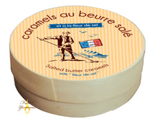 Load image into Gallery viewer, Salted butter caramels Paludier wooden box 150g French Yummies