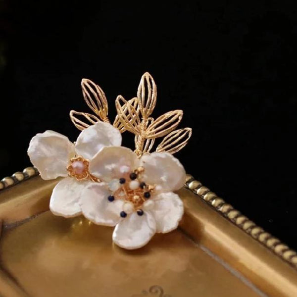 Credence Pearl Brooch