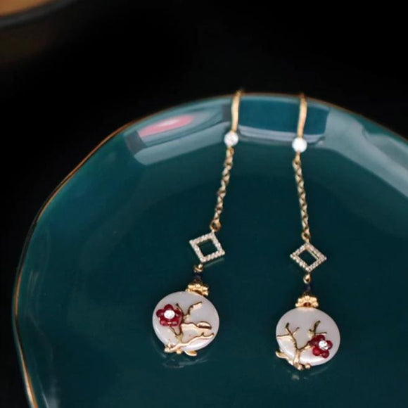 Astrantia Pearl Earrings
