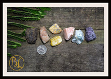 Load image into Gallery viewer, ROOT CHAKRA Gemstone Kit 7 Healing Base Chakra Gemstone Set Healing Crystals Stone Set Intention Stones Lithiotherapy Base Chakra Stone Set