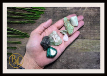 Load image into Gallery viewer, HEART CHAKRA Gemstone Kit 7 Healing Heart Chakra Crystals Heart Chakra Crystals Set Intention Stones Lithiotherapy Heart Chakra Stones Set