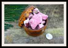 Load image into Gallery viewer, THULITE Gemstone 3 Piece Set Healing Thulite Crystals Healing Thulite Intention Stone Thulite Lithiotherapy Thulite Pink Chakra Stone Set