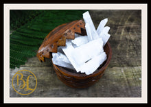 Load image into Gallery viewer, SELENITE Gemstone 3 Piece Set Healing Selenite Crystal Kit Selenite Intention Set Lithiotherapy