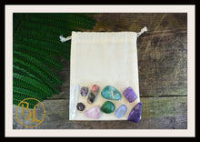 Load image into Gallery viewer, HEART CHAKRA Gemstone Kit 10 Healing Heart Chakra Crystals Heart Chakra Intention Lithiotherapy