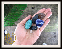 Load image into Gallery viewer, ELECTROMAGNETIC POLLUTION Gemstone 6 Healing Electromagnetic Pollution Intention Lithiotherapy