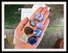 Load image into Gallery viewer, INSOMNIA Gemstone Kit 7 Healing Insomnia Gemstone Set  Insomnia Intention Lithiotherapy