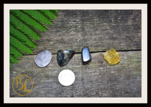 Load image into Gallery viewer, FEAR Gemstone Kit 4 Healing Fear Gemstone Set Healing Crystals Stones for Fear Healing Intention Stones Lithiotherapy Fear Crystals & Stones