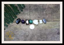 Load image into Gallery viewer, TRAVEL Gemstone Kit 7 Healing Travel Gemstone Set Healing Crystals Stones for Travel Healing Intention Stones Lithiotherapy Travel Crystals