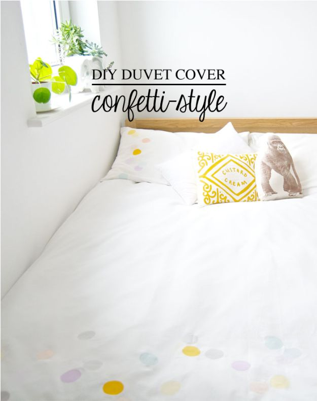 "Looking for the best DIY bedroom decor ideas around? When it comes to decorating your bedroom, thoughtful creative touches make all the difference in taking a room from OK to ""Wow!"" DIY your way into an amazing bedroom with these 100 crafts, wall..."