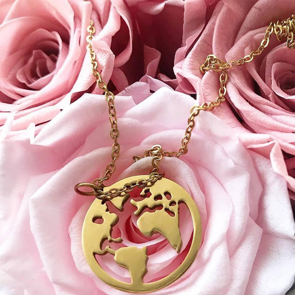 world, necklace, women, girls, gift, lovely, beautiful, gold, chain necklace, metal, countries, outlines, jewelry, accessories