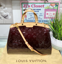 Load image into Gallery viewer, AUTHENTIC Louis Vuitton Brea Vernis Amarante MM PREOWNED (WBA264)