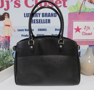 AUTHENTIC Louis Vuitton Passy GM PREOWNED (WBA171)
