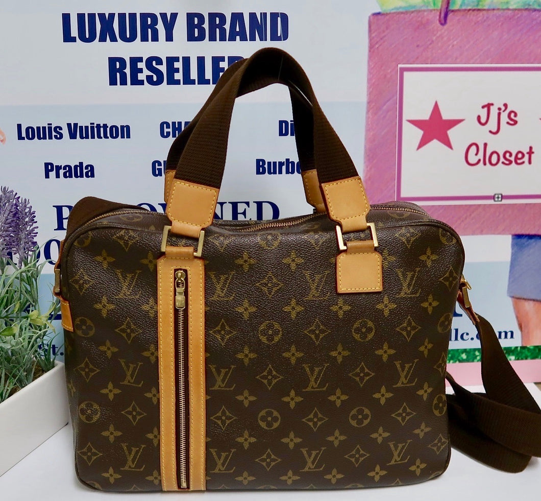 AUTHENTIC Louis Vuitton Monogram Sac Bosphore MM PREOWNED