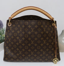 Load image into Gallery viewer, AUTHENTIC Louis Vuitton Monogram Artsy MM PREOWNED