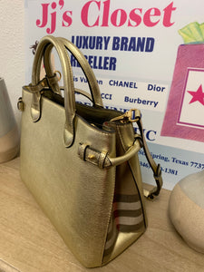 AUTHENTIC Burberry Banner Bag PREOWNED (WBA128)