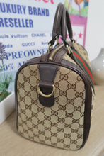 Load image into Gallery viewer, AUTHENTIC Gucci Boston PREOWNED (WBA050)
