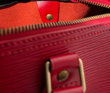 Load image into Gallery viewer, AUTHENTIC Louis Vuitton Speedy 30 Epi Rouge PREOWNED (WBA354)
