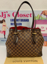 Load image into Gallery viewer, AUTHENTIC Louis Vuitton Hampstead Damier Ebene PREOWNED (WBA199)