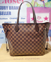 Load image into Gallery viewer, AUTHENTIC Louis Vuitton Neverfull Damier Ebene MM PREOWNED (WBA382)
