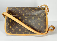 Load image into Gallery viewer, AUTHENTIC Louis Vuitton Sologne Monogram Crossbody PREOWNED (WBA344)