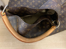 Load image into Gallery viewer, AUTHENTIC Louis Vuitton Monogram Artsy MM PREOWNED (WBA083)