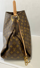 Load image into Gallery viewer, AUTHENTIC Louis Vuitton Monogram Artsy MM PREOWNED (WBA279)