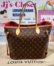 Load image into Gallery viewer, AUTHENTIC Louis Vuitton Neverfull Monogram MM PREOWNED (WBA356)