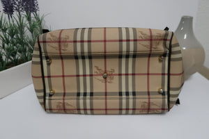 AUTHENTIC Burberry Bag PREOWNED (WBA059)
