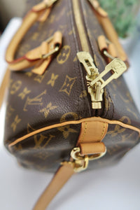 AUTHENTIC Louis Vuitton Monogram Speedy 30 Bandouliere PREOWNED (WBA103)