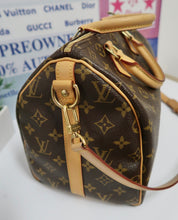 Load image into Gallery viewer, AUTHENTIC Louis Vuitton Monogram Speedy 30 Bandouliere PREOWNED (WBA103)