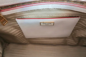 AUTHENTIC Prada Galleria Bi-color Saffiano PREOWNED (WBA120)