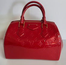 Load image into Gallery viewer, AUTHENTIC Louis Vuitton Montana Red Vernis Preowned (WBA069)
