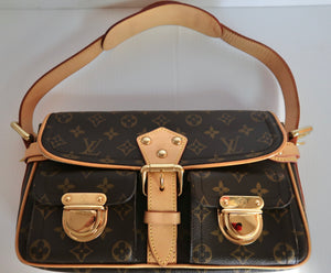 AUTHENTIC Louis Vuitton Hudson Monogram PM PREOWNED (WBA212)