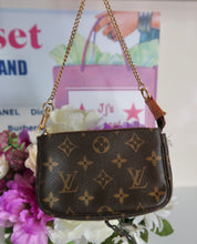 Load image into Gallery viewer, AUTHENTIC Louis Vuitton Mini Pochette Preowned (WBA112)