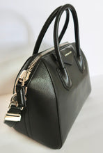 Load image into Gallery viewer, AUTHENTIC Givenchy Goatskin Small Antigona Black PREOWNED (WBA131)