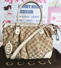 Load image into Gallery viewer, AUTHENTIC Gucci GG Canvas Sukey Off-White Top Handle CB Bag PREOWNED (WBA124)
