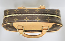 Load image into Gallery viewer, AUTHENTIC Louis Vuitton Trouville PREOWNED (WBA242)