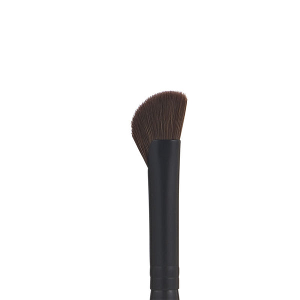 #63 Eye Winger Brush