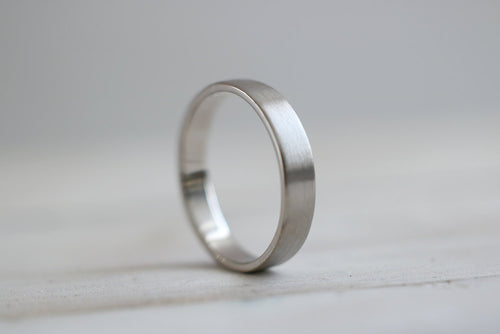 White Gold Wedding Band. 18kt White Gold ring. 4mm. Made to Order.