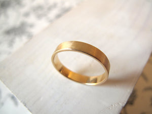 Gold Wedding Band. 18kt Yellow Gold ring. 4mm. Made to Order.