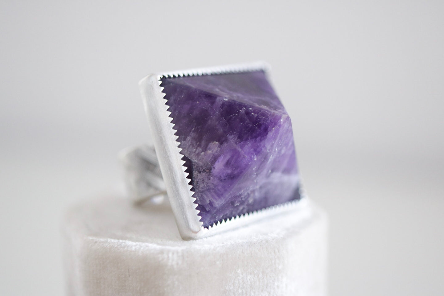 Pyramid ring. Sterling silver ring with Amethyst Pyramid.