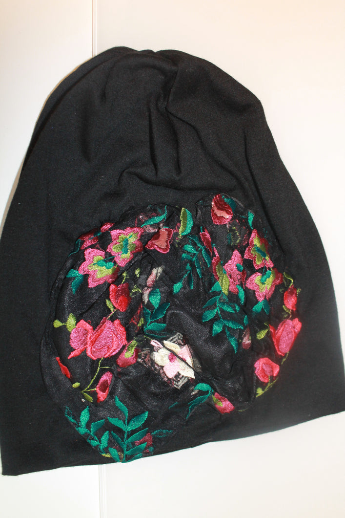 Black Beanie Lace Embroider Flower