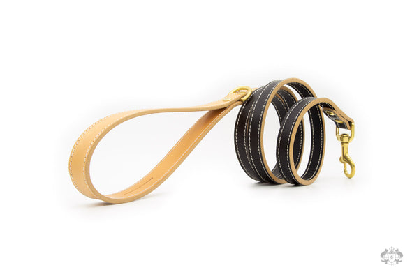 Nero Black Leather Dog Leash side view